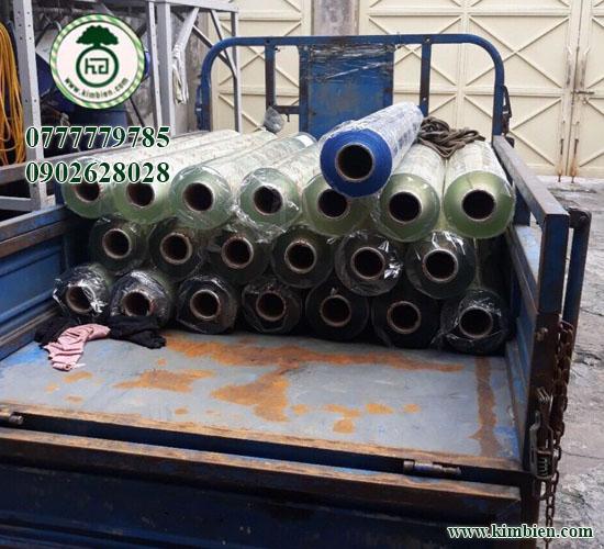 giá cuộn màn nhựa pvc trong suốt